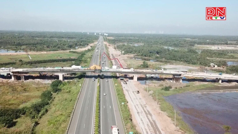 Cầu Vượt Đường 319 Đã Hoàn Thành Kết Nối Với Các Trục Đường, Rút Ngắn Thời Gian Di Chuyển Từ Tphcm Đến Nhơn Trạch Còn 20 Phút